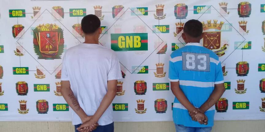 GNB Falcón capturó a dos azotes de barrio en el Centro de Punto Fijo