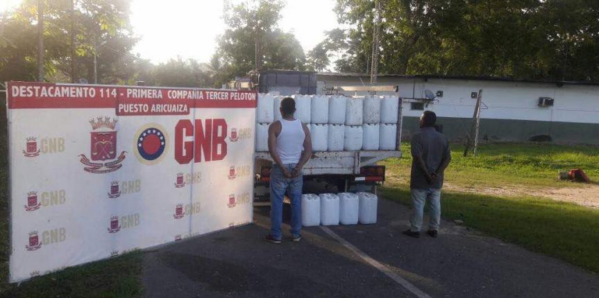 GNB incauta 400 litros de precursor químico utilizado para la elaboración de clorhidrato de cocaína