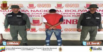 GNB capturó a ciudadano por desvalijar un vehículo en Mérida