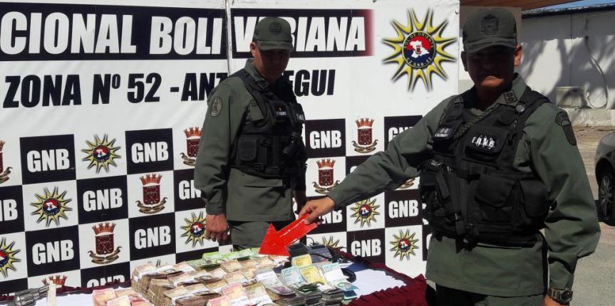 Incautadas 120 panelas de marihuana en Clarines por la GNB