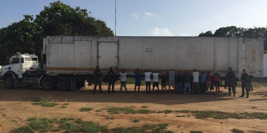 18 ciudadanos detenidos por robo a gandola en zona oeste del estado Anzoátegui