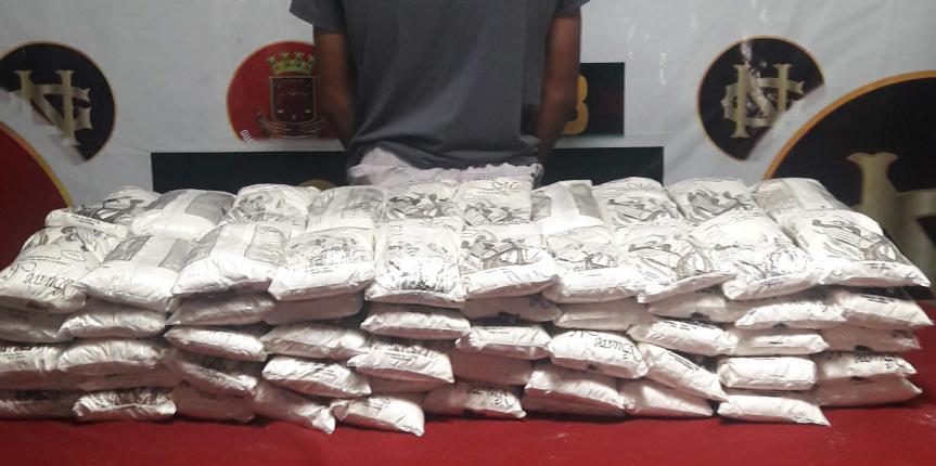 Comando de Vigilancia Costera detiene a un ciudadano con 200 kilogramos de harina de maíz precocida en el estado Sucre