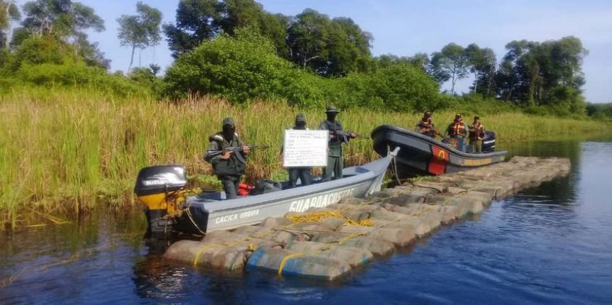 """Comando de Vigilancia Costera de la GNB y la Armada Bolivariana incautan 14. 524 litros de  gasolina en """"Río Limón"""""""
