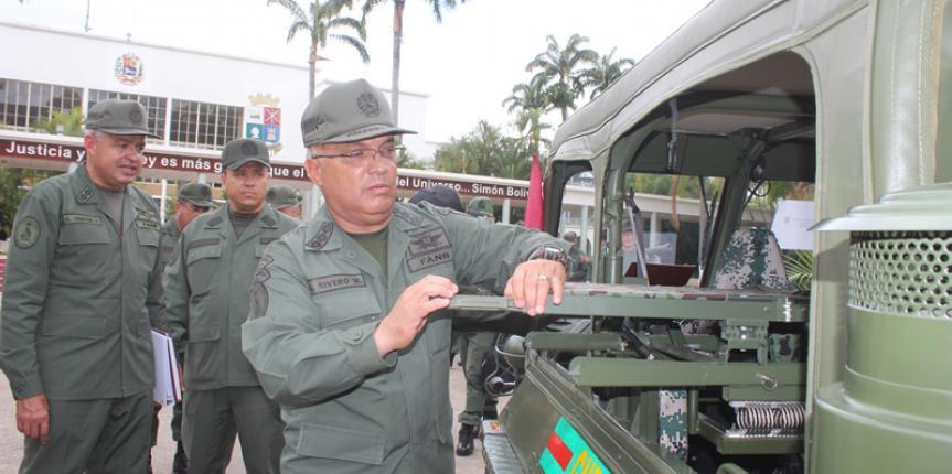 M/G Sergio  Rivero Marcano  entregó  vehículos Todo Terreno y material de intendencia a los Comandos de Zona y Grandes Unidades de la GNB