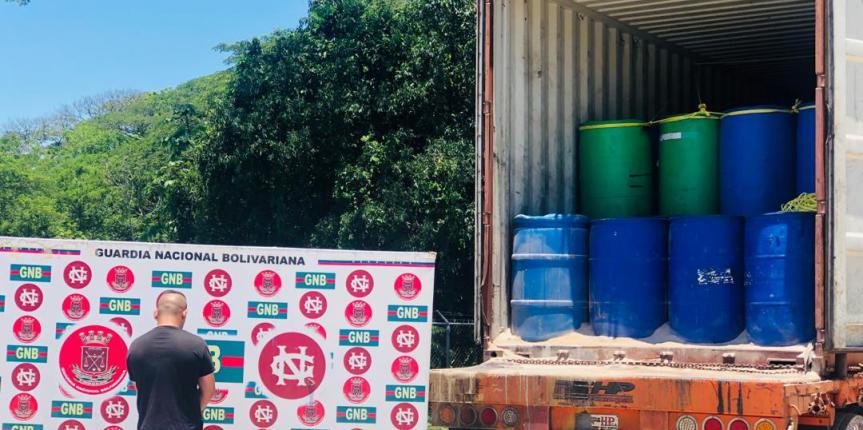 GNB Zulia detuvo a ciudadano en Aricuiza por llevar 152 pipas de químicos precursores