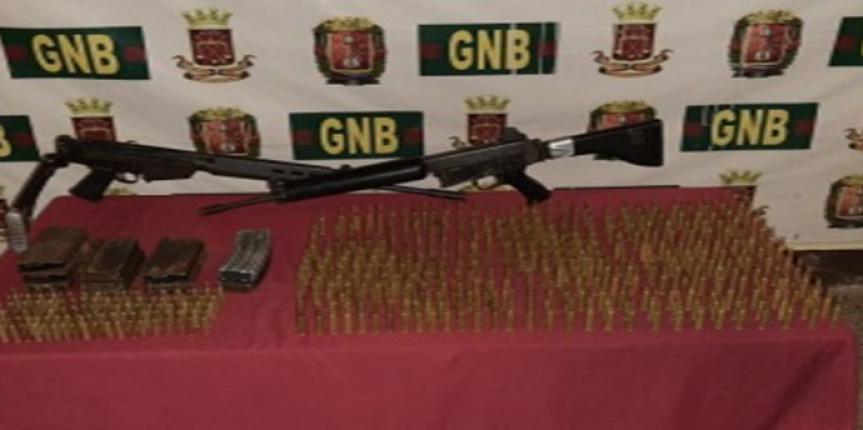 GNB Sucre retuvo dos fusiles y 627 municiones de diferentes calibres