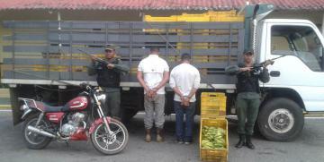 GNB detuvo a tres ciudadanos por saqueo y comercialización ilícita de alimentos en el estado Zulia