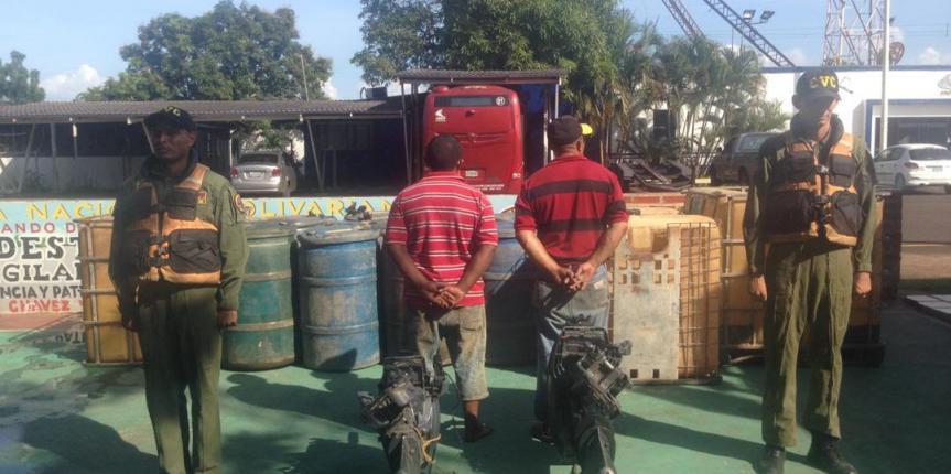 Comando de Vigilancia Costera de la GNB realiza aprehensión de contrabandistas de combustible y retiene 6.200 litros de gasolina