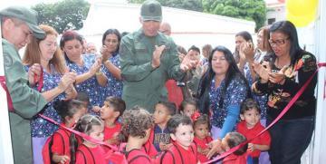 """Más de 180 niñas y niños estrenan el Centro de Educación Inicial Bolivariano """"Lina de Cárdenas"""" de la Guardia Nacional Bolivariana"""