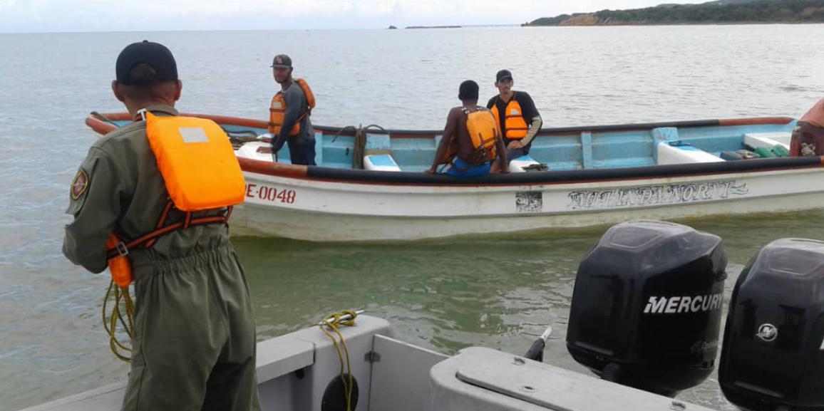 Comando de Vigilancia Costera de la GNB rescató a cuatro pescadores en el estado Falcón
