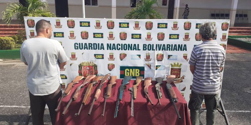 GNB Zulia detuvo a dos ciudadanos en Los Puertos de Altagracia con una armería clandestina