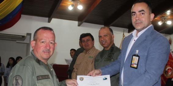 Condecorado personal destacado en el Operativo Especial contra el Tráfico Ilícito de Flora y Fauna Silvestre