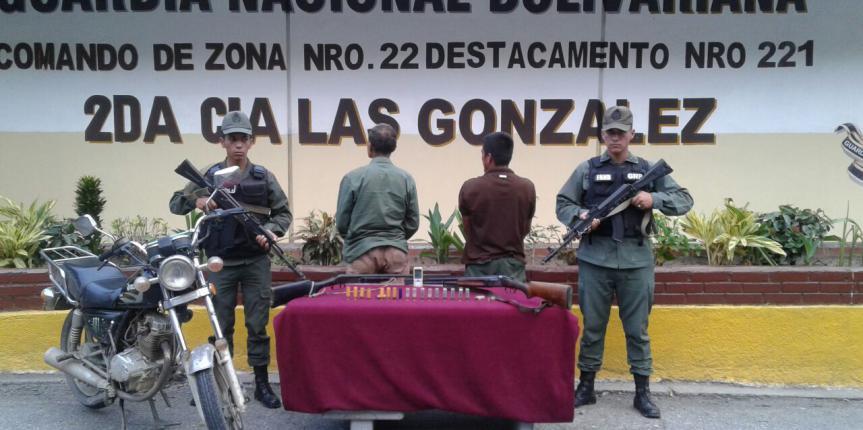 GNB detuvo a dos ciudadanos con dos escopetas en el estado Mérida