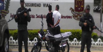 GNB Aragua detuvo a dos ciudadanos luego de robar una moto