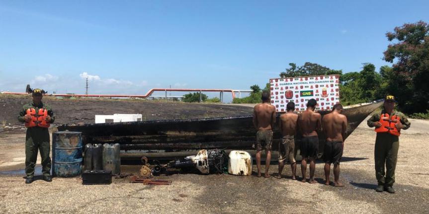 Comando de Vigilancia Costera GNB detuvo a cuatro ciudadanos por hurto de material petrolero en la Costa Oriental del Lago de Maracaibo