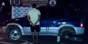 GNB detuvo a un ciudadano en Caicara del Orinoco con un vehículo utilizado para transportar droga