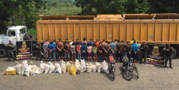 GNB detuvo 33 ciudadanos que se encontraban saqueando un camión en el estado Zulia