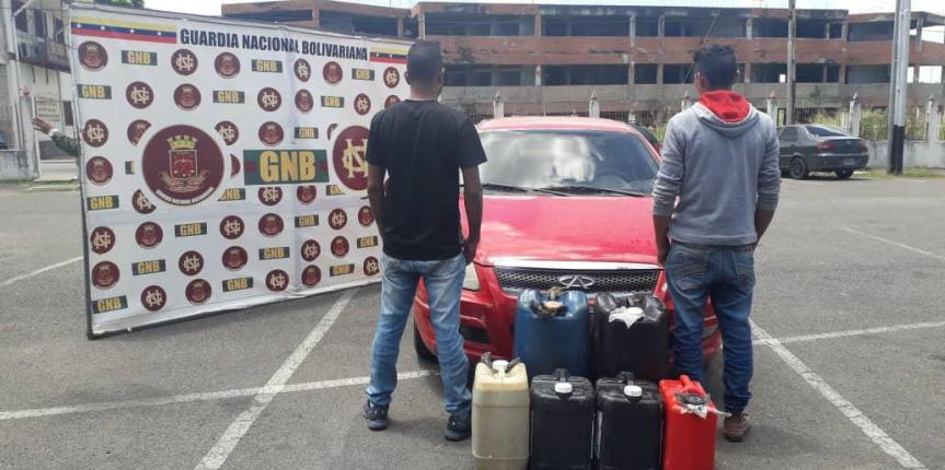 GNB capturó a dos ciudadanos por contrabando de combustible en el estado Bolívar