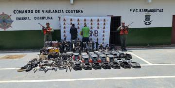 Vigilancia Costera GNB desmantela caleta de motores fuera de borda robados en el Estado Zulia