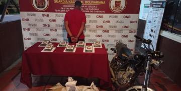 GNB detuvo a un ciudadano con droga oculta en alimentos para pollos