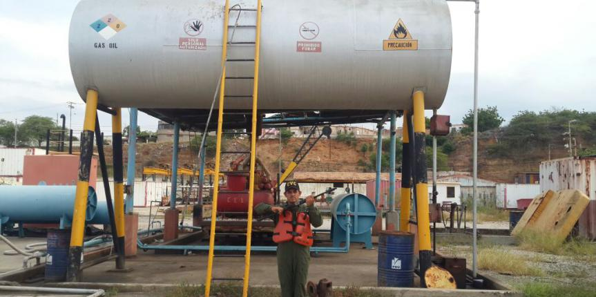 Vigilancia Costera GNB incauta dos tanques con 17 mil litros de combustible en el estado Zulia
