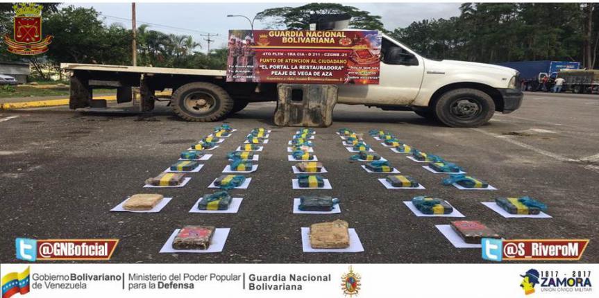 Incautadas 43 panelas de droga en doble fondo de camión en Táchira