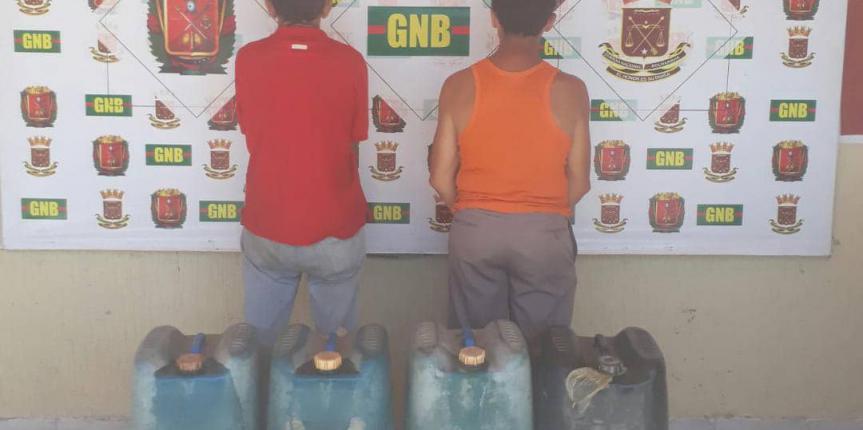 Desur Falcón capturó dos ciudadanos por venta ilícita de combustible en Punto Fijo