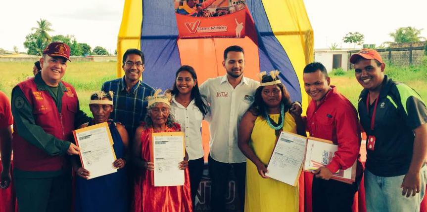 Guardia del Pueblo entrega títulos de vivienda y terrenos en el Delta Amacuro