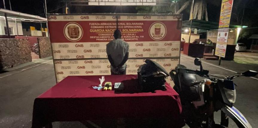 GNB ZULIA detuvo a un ciudadano con 6 envoltorios de droga en el Municipio Jesús María Semprun