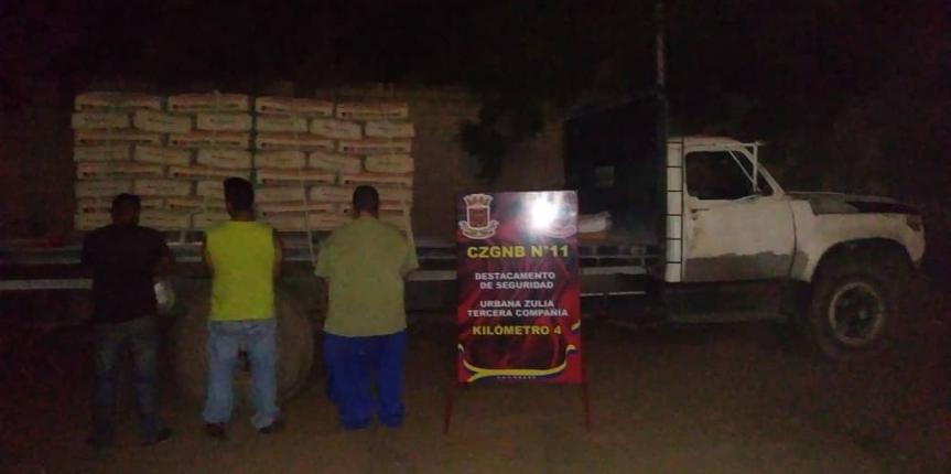 Desur Zulia capturó a tres ciudadanos por desviar de la ruta 192 sacos de cemento