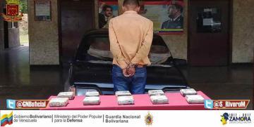 GNB Falcón capturó a ciudadano con 10 panelas de droga