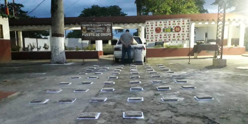 Detenido ciudadano con panelas de marihuana oculta en un bulto de harina de trigo en Táchira