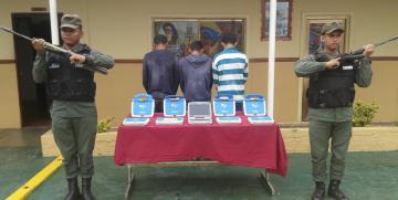 """GNB Zulia detuvo a tres ciudadanos que robaron """"Canaimitas"""" en colegio de Bachaquero"""