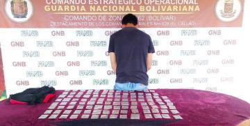 """GNB capturó a integrante del GEDO """"Las 3R"""" con droga"""